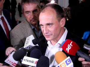 Minister Czarnek w obronie Kukiza. Jest dzielnym mężczyzną