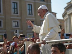 Papież zdymisjonował biskupa z Australii oskarżonego o nadużycia seksualne
