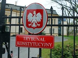 Grupa osób weszła na teren Trybunału Konstytucyjnego. Interweniowała policja