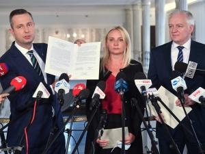 Jarosław Gowin, prezes PSL i posłanka Ścigaj podpisali deklarację współpracy w sprawie samorządu