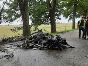 Koszmarny wypadek w Olszewie. Dwie osoby spłonęły żywcem w luksusowym porsche