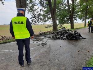 Nowe informacje ws. koszmarnego wypadku pod Olszewem: Ofiarami dwaj biznesmeni. Pędzili z 200km/h. Wyrzuciło ich w powietrze