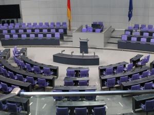 Niemcy: Sondaże wyborcze: CDU/CSU najniżej w historii, SPD na prowadzeniu