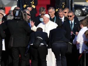 W drodze do Budapesztu Papież ucałował zdjęcie prymasa Wyszyńskiego