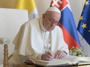 Papież Franciszek: Kościół nie jest fortecą, potentatem, zamkiem położonym wysoko