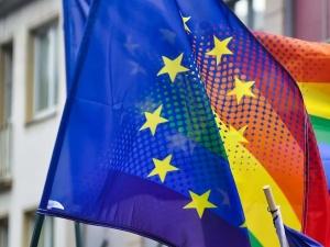 KE grozi polskim władzom ws. LGBT? Nieoficjalnie: Komisja czeka do jutra na odpowiedź rządu...