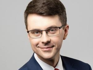Twarda odpowiedź rzecznika rządu na żądania KE wycofania wniosku do TK o stwierdzenie wyższości polskiej konstytucji nad prawem UE
