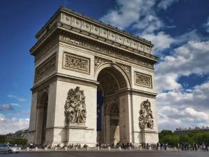 Narasta konflikt. Francja odwołała na konsultacje swoich ambasadorów z USA i Australii
