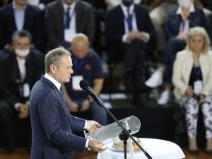 [VIDEO] Tusk chce zmiany Konstytucji. Powinniśmy zapisać, że z UE można wyjść, jeśli...