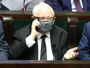 KE chce wycofania wniosku z TK. Kaczyński: Żądanie godzące w fundamenty naszej suwerenności