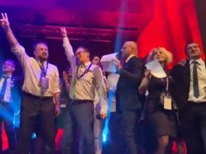[VIDEO] Jeszcze będzie przepięknie, jeszcze będzie normalnie śpiewają apolityczni sędziowie na gali Iustitii
