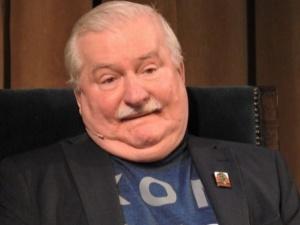 """Wałęsa rozpływa się nad Tuskiem. """"To wybitny człowiek, trzeba dać mu szansę"""""""