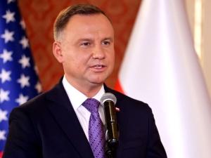 """""""Jakaś nieodpowiedzialna pani powiedziała sobie, że trzeba wstrzymać wydobycie w Turowie"""". Mocny komentarz Andrzeja Dudy"""