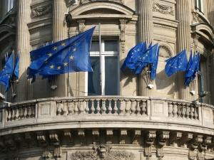 Nieoficjalnie: Polski rząd może pozwać Komisję Europejską! Niewykluczone są radykalne działania