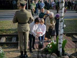 Tędy przeszła Warszawa... Uroczystości upamiętniające więźniów obozu Dulag 121