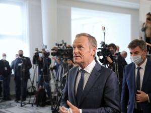 [sondaż] Miał być rycerzem na białym koniu, tymczasem... Polacy typowali lidera opozycji