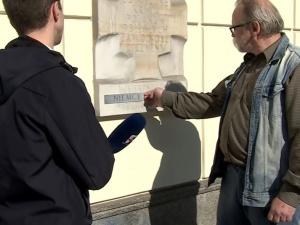 Bohater Solidarności zaklejał słowo hitlerowcy słowem Niemcy. Wyborcza grozi prokuratorem