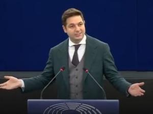 Patryk Jaki w PE: Przystawiacie pistolet sędziom do głów. Europoseł nie przebierał w słowach