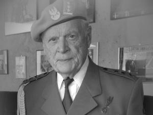 Warszawa: Pogrzeb prof. Juliana Kulskiego. Donald Trump: Był prawdziwym bohaterem i patriotą
