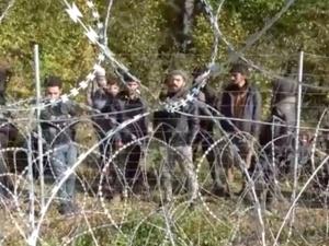 """MON ujawnia nagrania. """"Białorusini blokują ich powrót do domu i zmuszają do nielegalnego przekraczania granicy"""" [WIDEO]"""