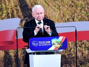 Szef PiS: Trzeba by rolnicy łączyli się w większe grupy, wtedy ceny nawozów mogą być niższe