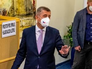 Czechy: Podliczono głosy z połowy komisji wyborczych. Na czele partia Babisza