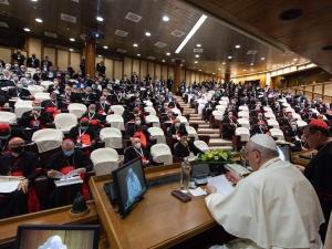 Otwarcie synodu. Papież: Nie trzeba zmieniać Kościoła, natomiast trzeba zmienić coś w Kościele