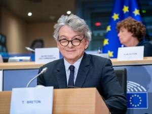 Unijny komisarz: Nie uwierzę nawet przez sekundę, że nastąpi polexit