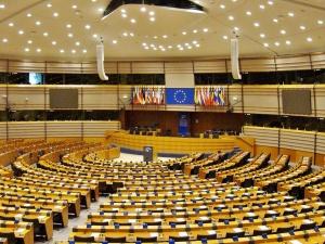 """Anna Kubacka: """"Ich ciało, ich wybór"""" - PE próbuje ingerować w wewnętrzne ustawodawstwo USA"""