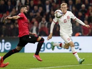 [VIDEO] Polska - Albania. 1:0. Agresywne zachowanie albańskich kibiców. Mecz wznowiony