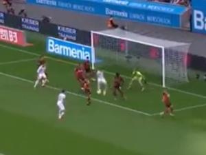 [VIDEO] Co za gol! Lewandowski strzelił piękną bramkę w pierwszych minutach meczu