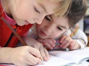 Uproszczenie zasad wsparcia opieki nad dziećmi – rekomendacje Ordo Iuris dotyczące rodzinnego kapitału opiekuńczego