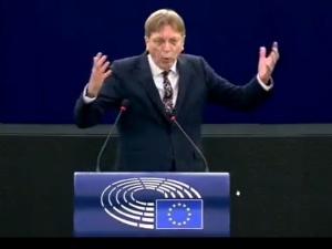 [VIDEO] Debata w PE. Verhofstadt straszy Polskę rozbiorami?!