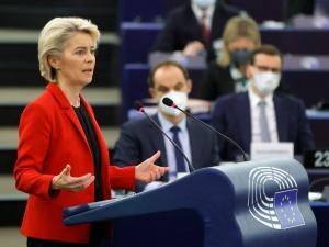 Zlikwidować Izbę Dyscyplinarną, przywrócić sędziów... Szefowa KE wylicza, jakich reform ma dokonać polski rząd
