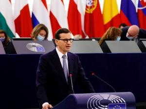 """""""Gazeta Wyborcza"""" twierdzi, że zna plan PiS po debacie w PE. """"Ani kroku wstecz"""""""