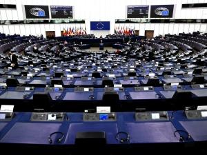 Parlament Europejski przegłosował rezolucję ws. wyroku TK. Zobacz jak zagłosowali polscy europosłowie