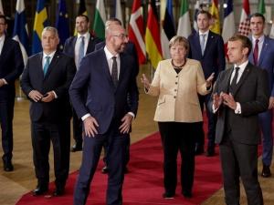 Nieoficjalnie. Na szczycie UE w dyskusji o praworządności koncyliacyjny ton. Najostrzej premier Holandii