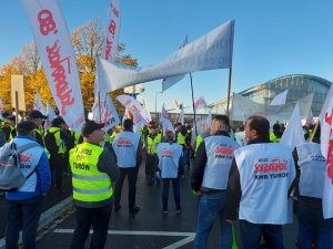 Relacja z protestu w Luksemburgu. Solidarność zamyka TSUE