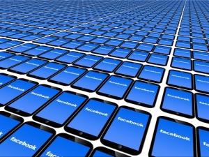 Zmowa Google i Facebooka? Sąd Federalny USA dobierze się wreszcie do skóry gigantom?