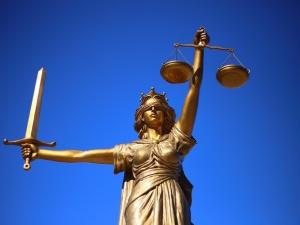 Jak zapewnić efektywne sądownictwo w Polsce – raport Ordo Iuris