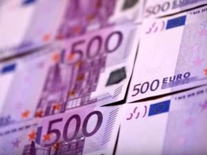 Ile zarabiają Polacy za granicą? Najlepsze zarobki w Austrii i Niemczech