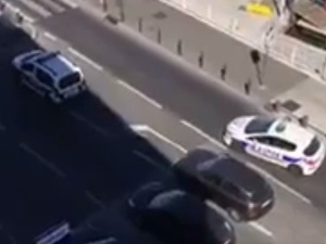 Francja: Kierowca furgonetki staranował w Marsylii dwa przystanki. Jedna osoba zginęła