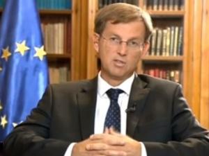 Premier Słowenii Miro Cerar: Poprzemy nałożenie na Polskę sankcji