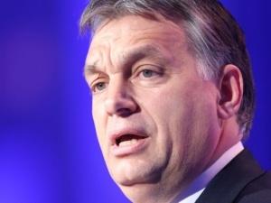 """Viktor Orban zapewnia: """"Nigdy nie przyłożę ręki do tego, by Węgry stały się państwem imigracyjnym"""""""