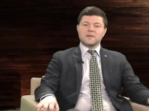 """Cmentarz chce zlikwidować nagrobek weterana. Paweł Ozdoba: """"Ustawa o cmentarzach chroni takie groby"""""""