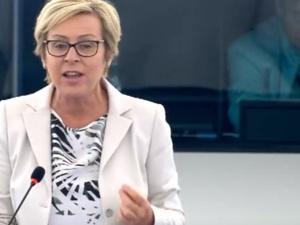 [video] Jadwiga Wiśniewska: Zdumiewające głosowanie Totalnej Targowicy za haniebną rezolucją
