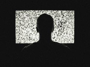 """[Komentarze internautów] """"Obrońcy demokracji"""" już nie kochają TVN"""