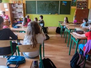 Brakuje nauczycieli, a przecież mieli być zwalniani
