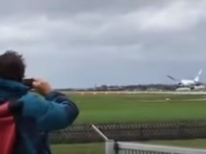 [video] Huragan w Salzburgu. Polski samolot ledwo uniknął katastrofy