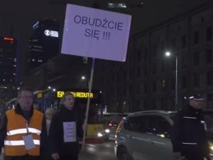 """""""To nie 500+ zwrócił Polakom godność. Uczynił to Piotr S"""". Kontrowersyjny tekst na TOKFM.pl wzburzył sieć"""